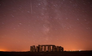 meteor-shower-above-stonehenge-pic-reuters-677486009